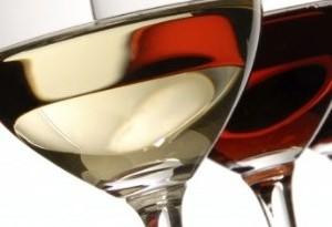 Meglio il vino bianco o il vino rosso per la dieta