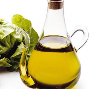 Quale olio utilizzare per condire l'insalata