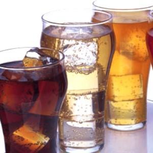 Bevande gassate meglio senza zucchero mentre si è a dieta