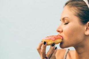 mangiar bene e fare sport possono essere d'aiuto per perdere peso, ma mangiando tanto non ti aiuterai