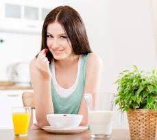 scopri quante calorie potresti assumere in base al tuo stile di vita e all'età