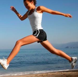 è meglio nuotare o correre per perdere peso